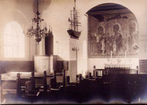 Prædikestol og alter
